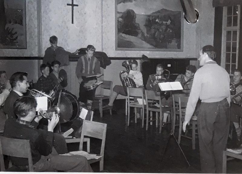KFUM-A03204-U-102-Jørgen-Seiersbøl-Hansen-1957-orkestret